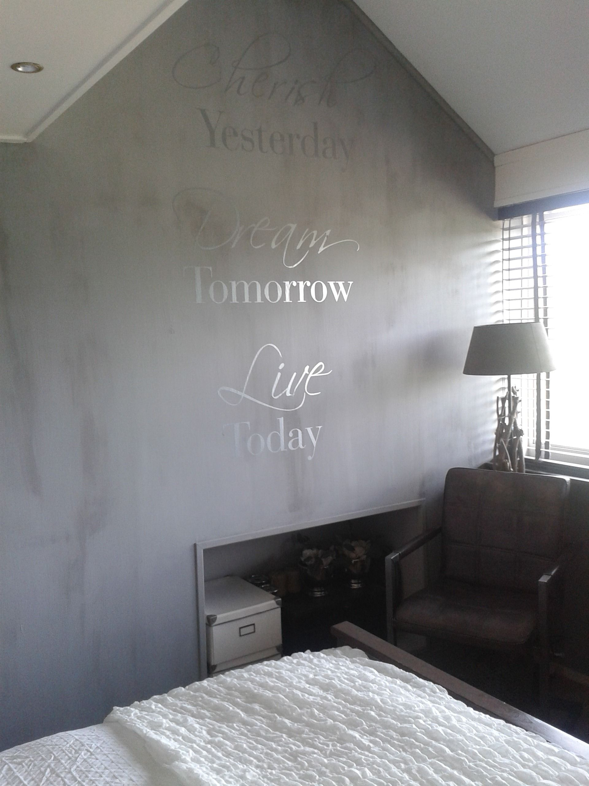 Op de muur: Kalkverf Elephant Skin van Pure & Original en subtiel ...