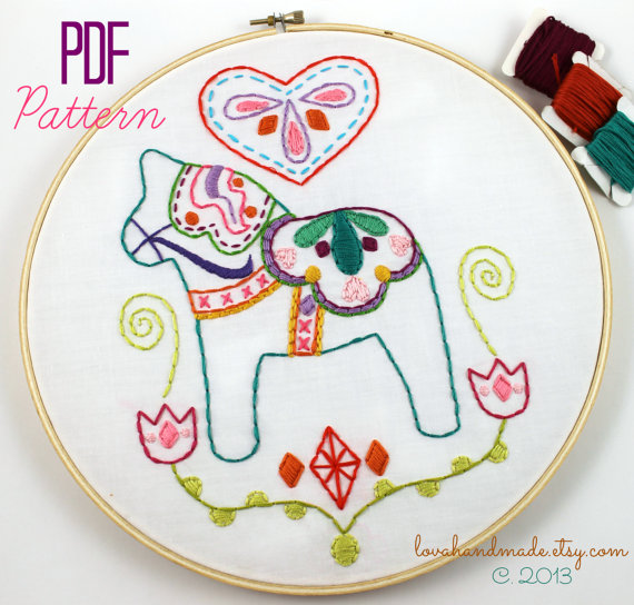 Dala Horse Hand Embroidery Pattern Embroidery Designs Etsy Scandinavian Embroidery Embroidery Patterns Embroidery Patterns Vintage