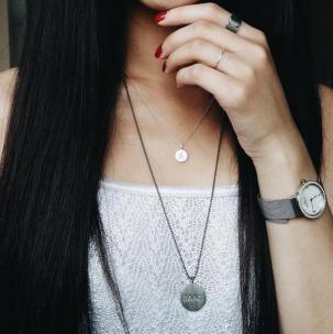 Silver, rhodium and red. #hvisk #hviskstyling #hviskstylist #hviskjewellery #jewellery #fashionjewellery #sterlingsilver #necklace #pendant #skagendenmark #fashion