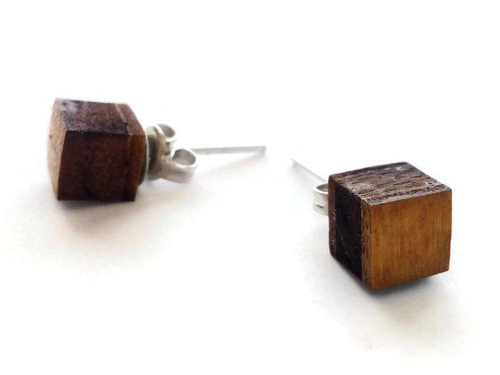 Orecchini in legno minimalisti tagliati a laser di ...