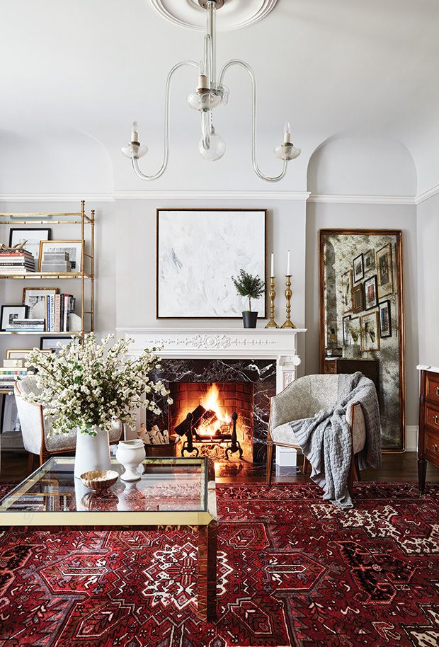 15 Living Rooms Perfect For Relaxed Entertaining Red Rug Living