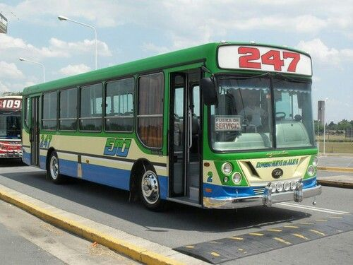 Linea 247 interno 2 ugarte americano iii mercedes benz for Mercedes benz argentina