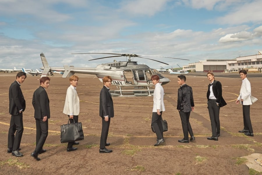 """Update: EXO Unveils Teaser Video For Upcoming Photo Book """"PRESENT ; gift"""""""
