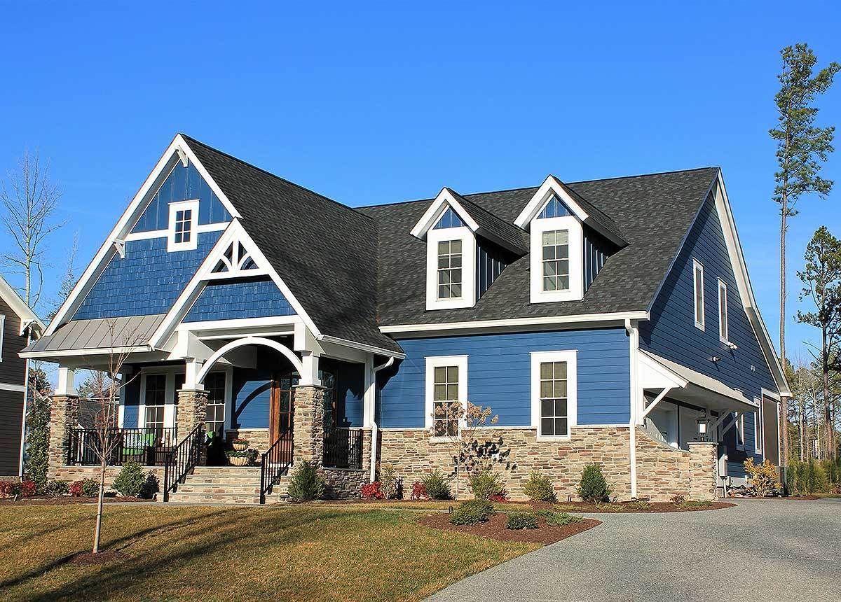 Super Good Looking Craftsman House Plan 500012VV