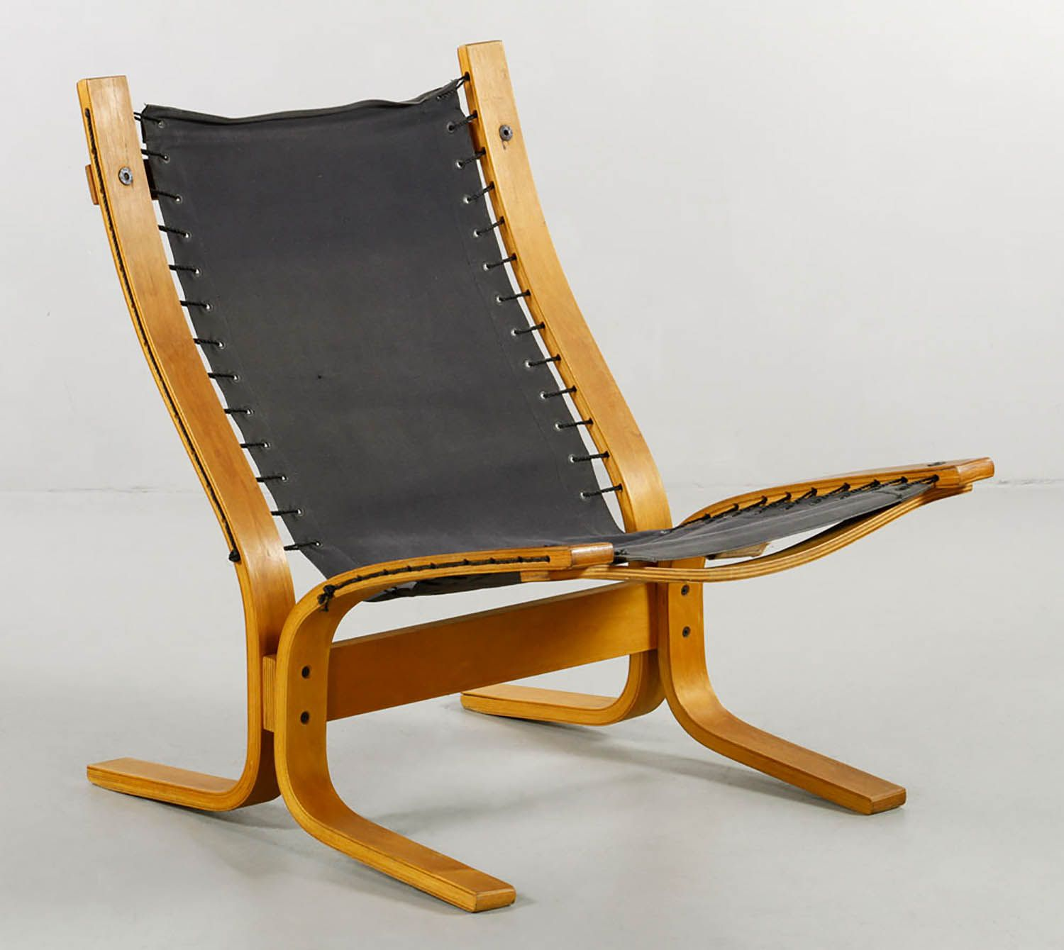PlyDesigns Bentwood Lounge Chair Plydesigns, Canada, Lounge Chair, Bentwood  With Canvas Fabric Seat
