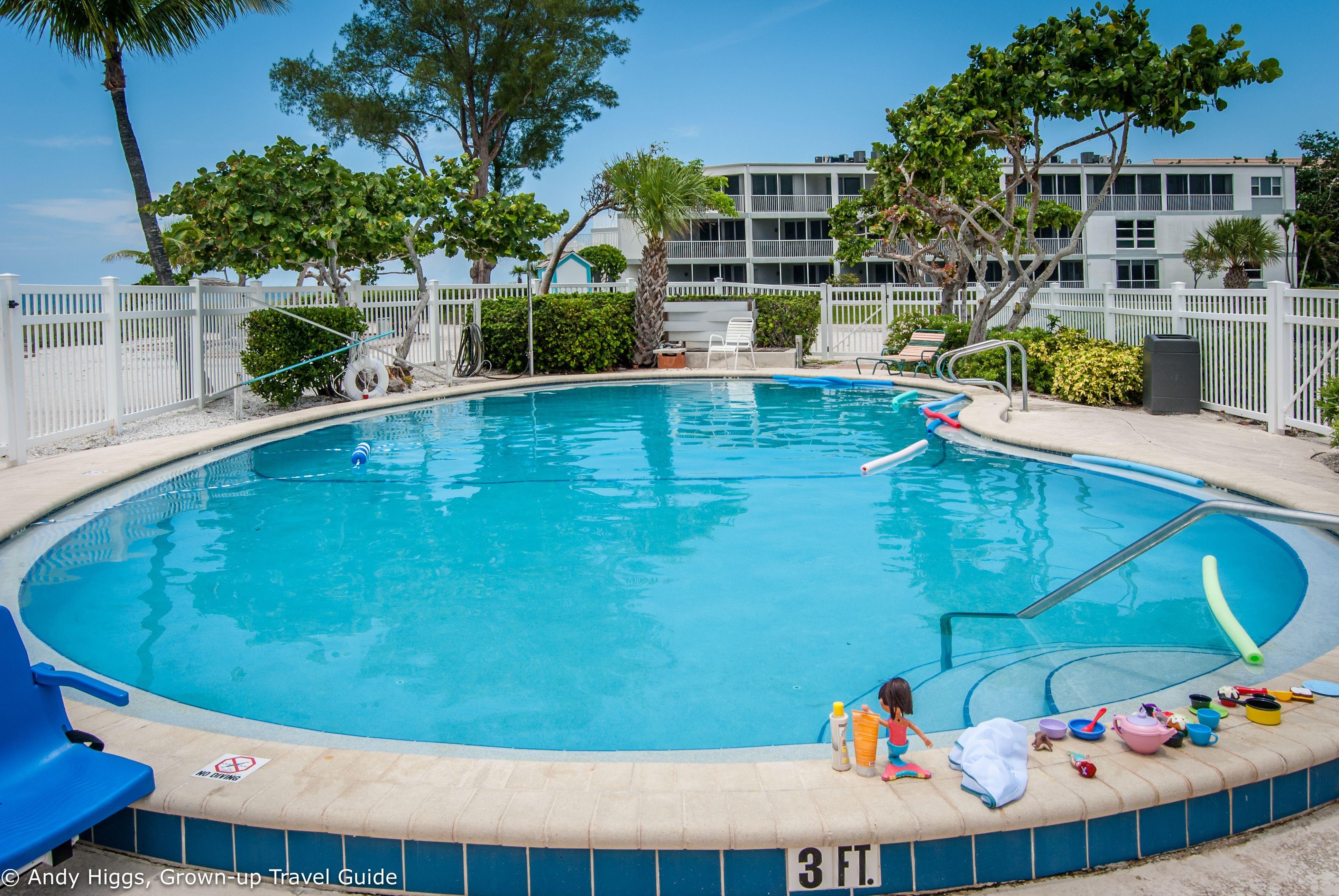 Island Inn Sanibel: Hotel Review: Island Inn, Sanibel, Florida