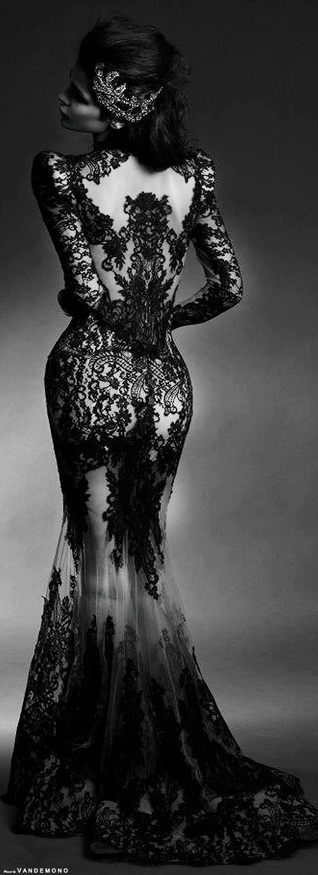 would make a gorgeous gothic wedding dress <3 | wedding ideas