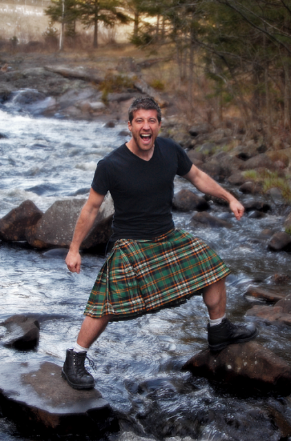 For that men wearing kilts naked can