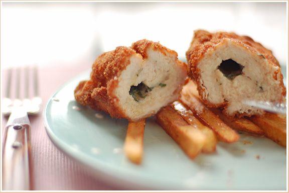 Опять Катя лукум вдохновила! В этом посте http://lyukum.livejournal.com/143145.ht ml показан новый для меня способ упаковывания сливочного масла в неотбитое филе для приготовления…