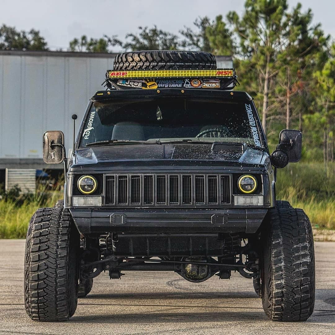 Love the width and the lightbar (With images) Jeep xj