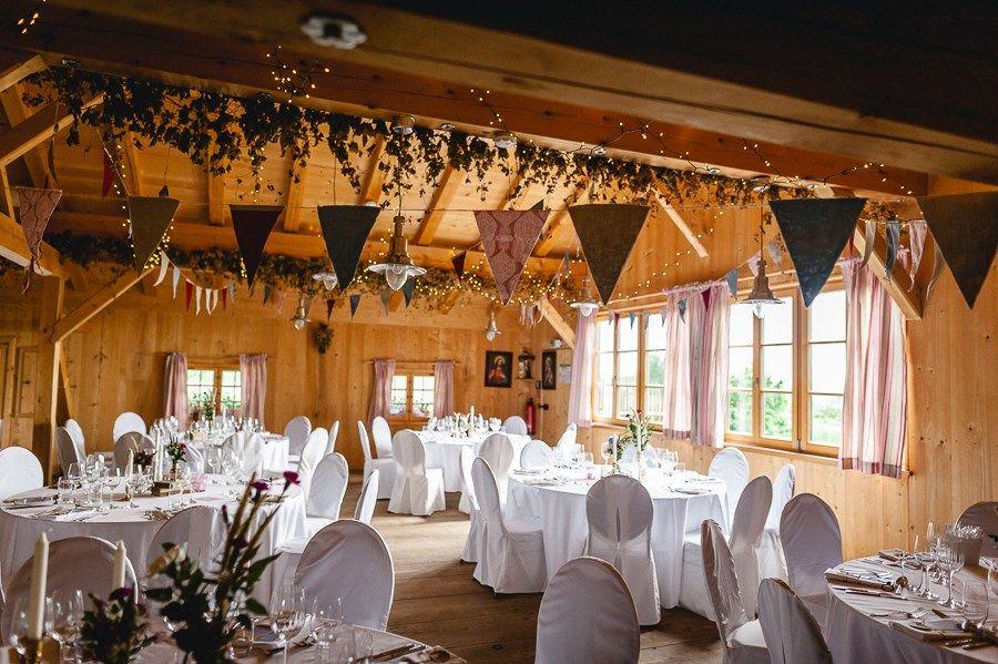 Hochzeit Auf Dem Pitzlloch Hof Im Bayerischen Boho Stil Hochzeitsgezwitscher Hutte Hochzeit Boho Stil Hof Hochzeit
