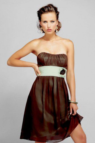 Elegant A-line Strapless Knee-length Chiffon Bridesmaid Dress