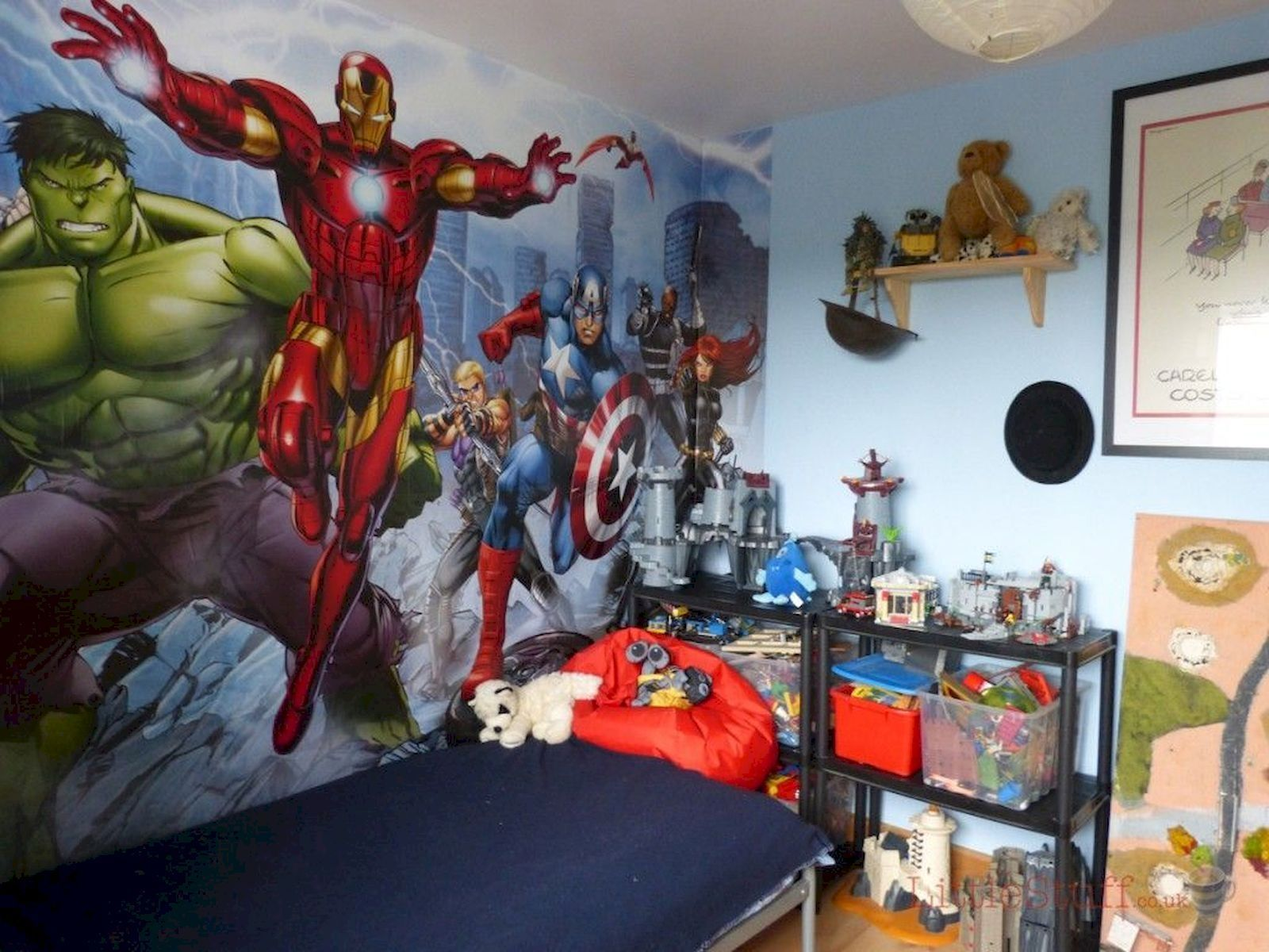 44 Awesome Boys Bedroom Ideas In 2020 Marvel Bedroom Avengers Room