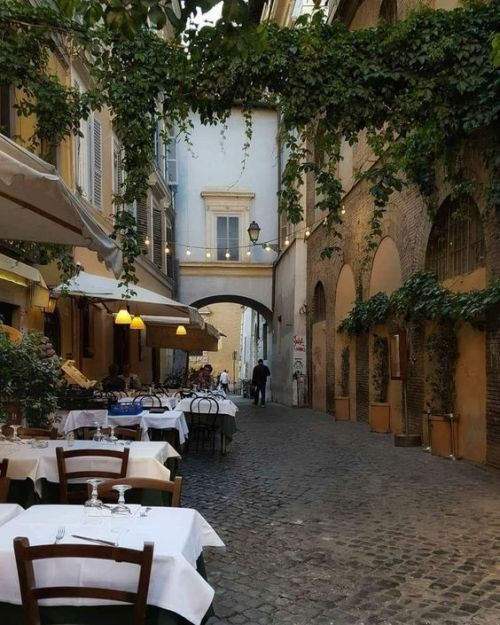 Pin By Adrielli Rosa On P L A C E S With Images Living In Italy Pretty Places Places