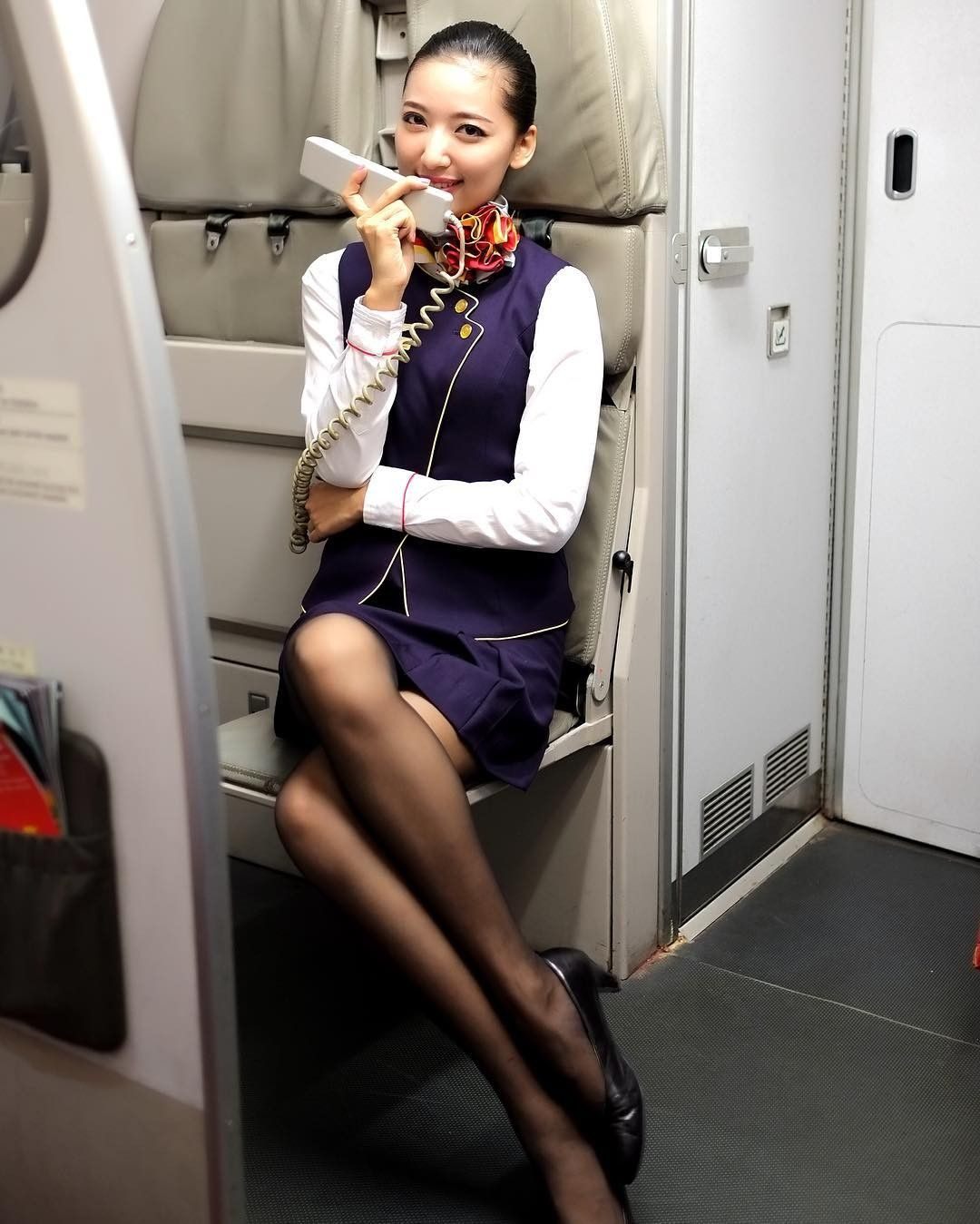 glamour-stewardess-pictures-japanese-pop-star-flashing