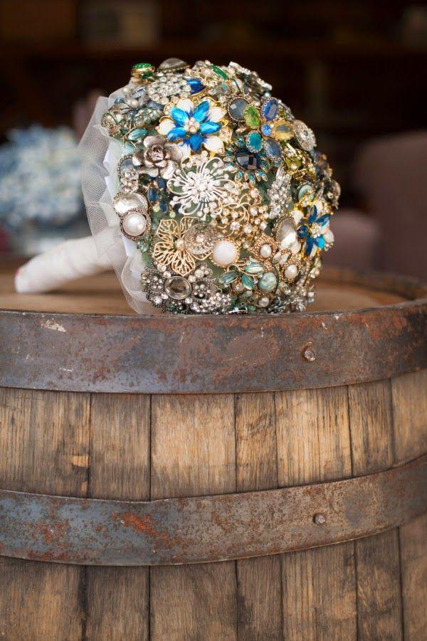 Si quieres ser una #novia ingeniosa aquí tienes ideas para un #ramo ESPECTACULAR #boda #bouquet_bride #wedding