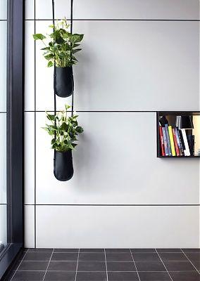 Un syst me de porte plante id al pour imaginer un mur v g tal ou un jardin suspendu colors - Porte plante design ...
