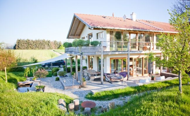 Haus in Holzrahmenbauweise, Rosenheim, Afrika #modernfarmhouseexterior