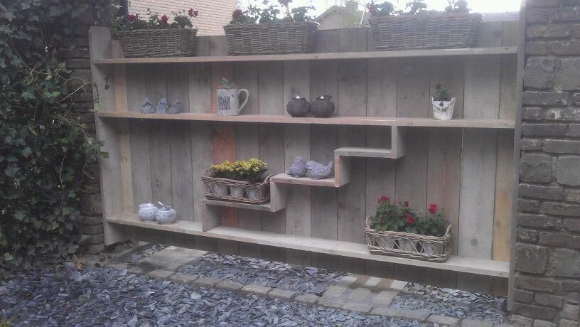 Steigerhouten tuin afscheiding opmaat gemaakt voor ieder tuin woonkamer pinterest tuin - Tuindecoratie buiten ...