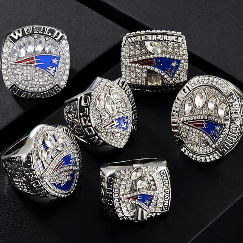 or JUST 6 Superbowl Rings Choice 6X New England Patriots Superbowl Championship Replica Rings plus a Solid Mahogany Case /& Brady Rookie RP