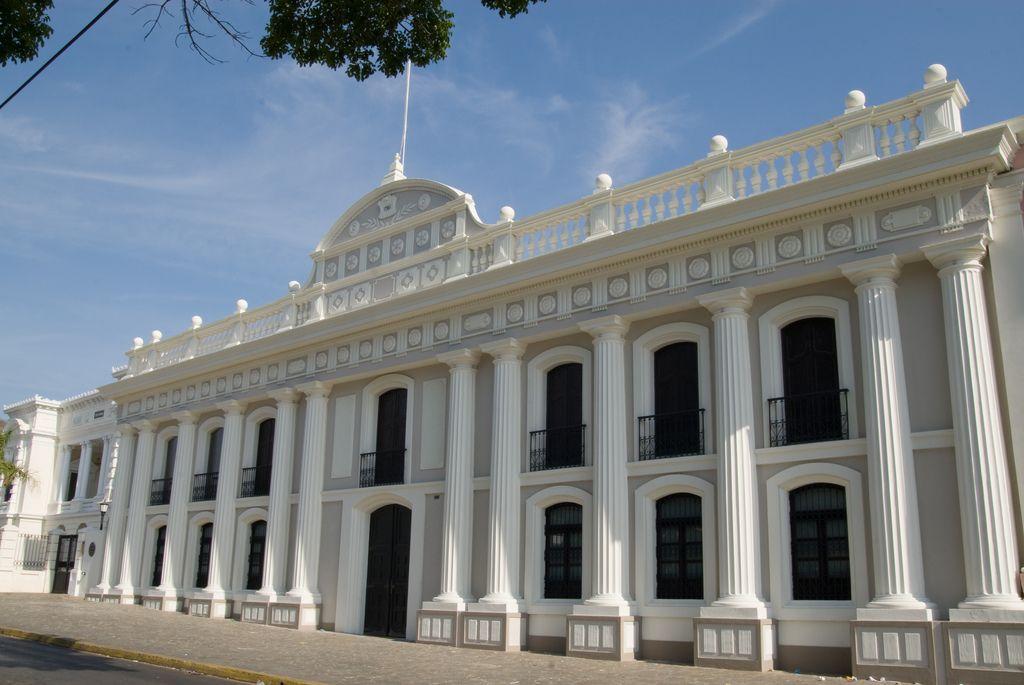 universidad de carabobo facultad de derecho - Buscar con Google