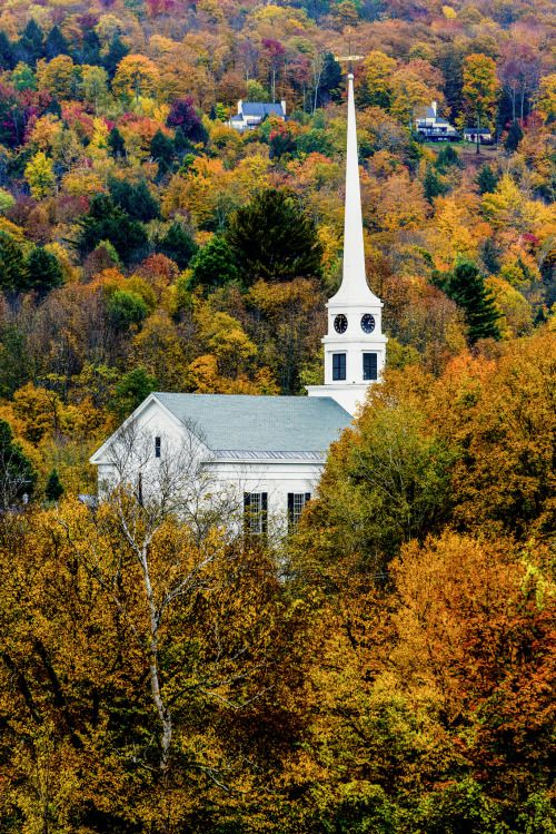 Stowe Church, Vermont (bynikond3xuser1)
