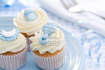 6322996-cupcakes-for-a-baby-shower.jpg (400×267)