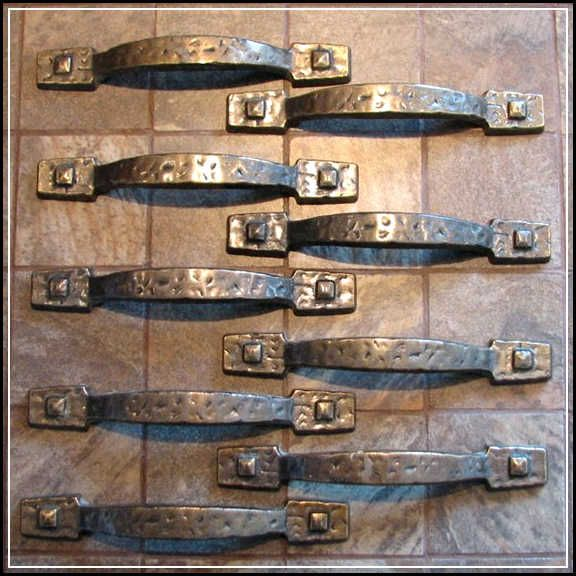 Rustic Kitchen Cabinet Hardware | Rustic kitchen cabinets, Kitchen ...