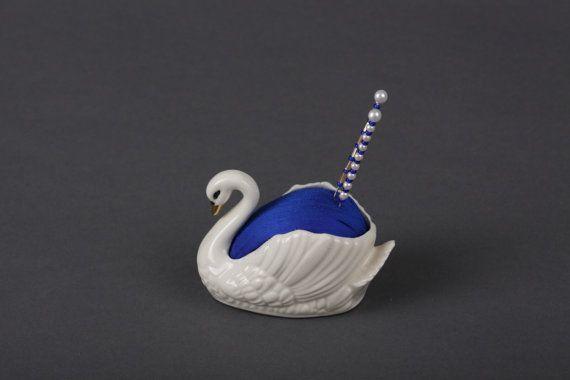 Swan pincushion - I think I had one of these swans somewhere?