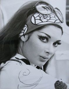 Beauty trends from the 70s that are back | OverSixty