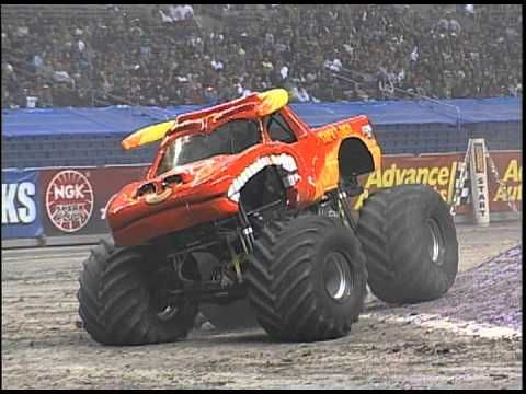 Monster Jam El Toro Loco Monster Truck Freestyle Alamodome Monster Trucks Monster Jam Monster Truck Videos