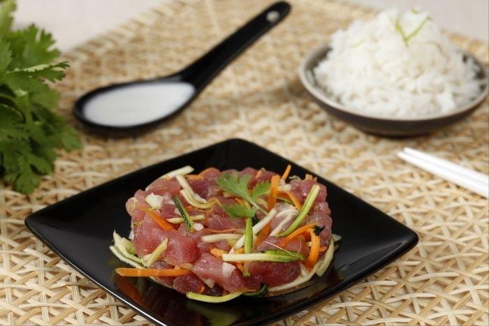 Poisson cru la tahitienne recette tartare de thon - Cuisiner le thon rouge ...