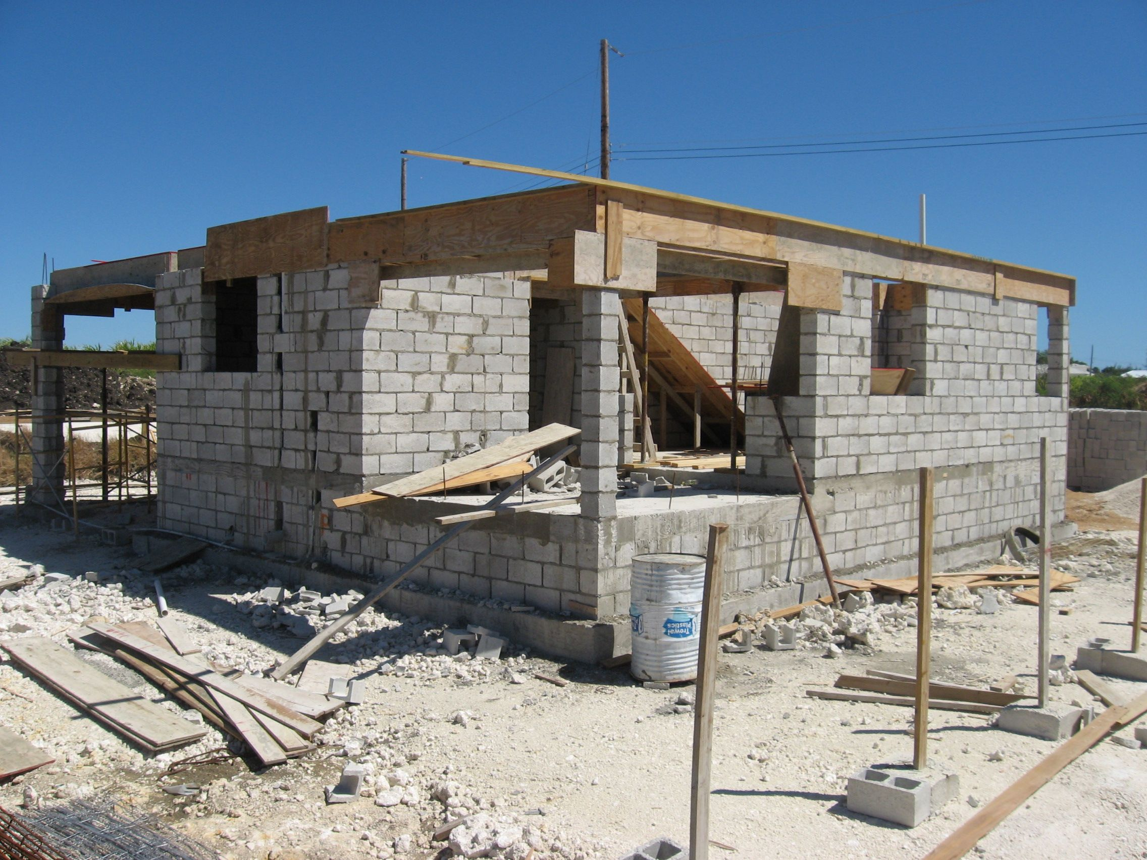 Advice for home owners cement concrete and block wall for Cinder block house construction