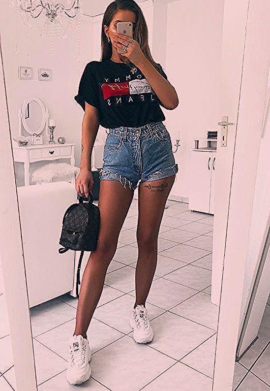 15 tenues estivales à la actualité revers logo t-shirts #modernes #avenues #shirts # ...  La meilleure image selon vos envies sur Tenues adidas  Vous cherchez une image qui va vous permettre de vous exprimer de la meilleure façon? Mais vous n'avez pas enco... #actualite #avenues #Brandy melville #Casual #estivales #Hauts courts #logo #Mode ados #modernes #polyvore #revers #shirts #Style apostolique #tenues #Tenues d'automne #Tenues d'hiver #Tenues décontractées #Tenues estivales #tshirts