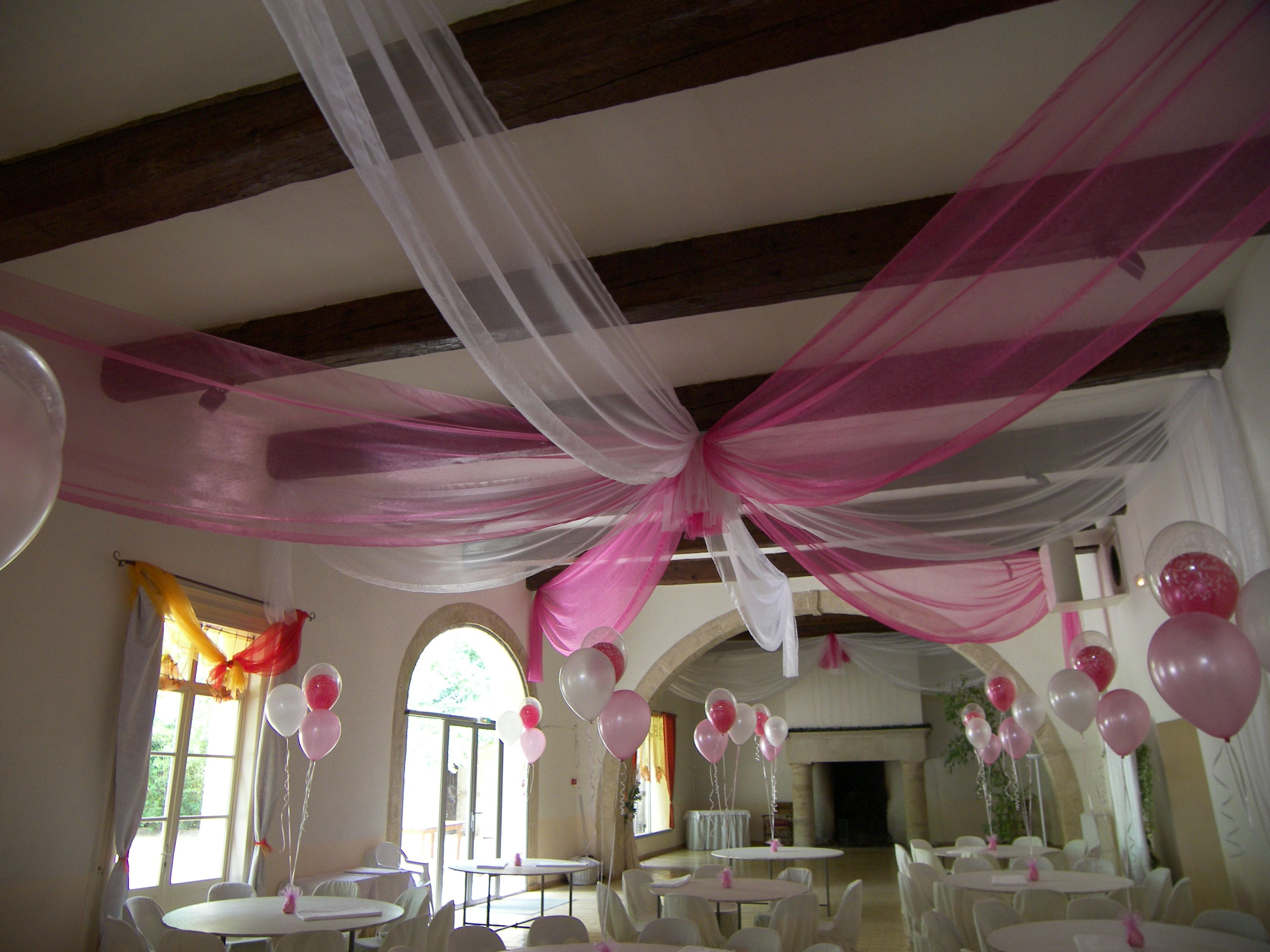 1000 images about fanion chemin de table plafond on pinterest tassels romantic and mariage - Drap Plafond Mariage