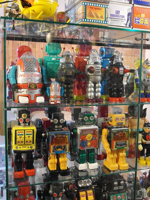 fantastic tin robot collection!