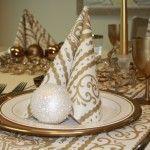 Stijlvolle tafelversiering en tafelbekleding met gouden accenten - originele kersttafels dekken