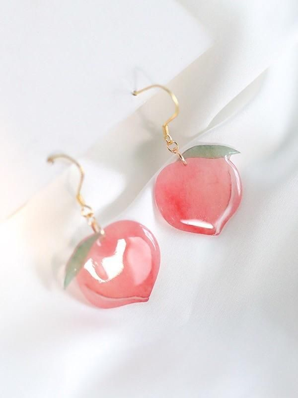 Introduce eye-catching earrings & ear clips to your one-of-a-kind treasure. These Peach Earrings & Ear Clips will turn everyday items into designed colorful items that also spreads your fashion taste. It's durable for your daily wearing, suitable for a variety of occasions. Made from 925 sterling silver and acrylic Dimensions: 2.4 x 0.8 in | 6 x 2 cm