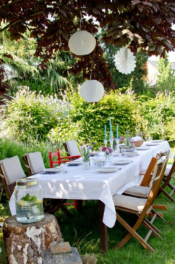 deko f r die gartenparty mit lampions im sommer gartenparty pinterest terrasses jardins. Black Bedroom Furniture Sets. Home Design Ideas