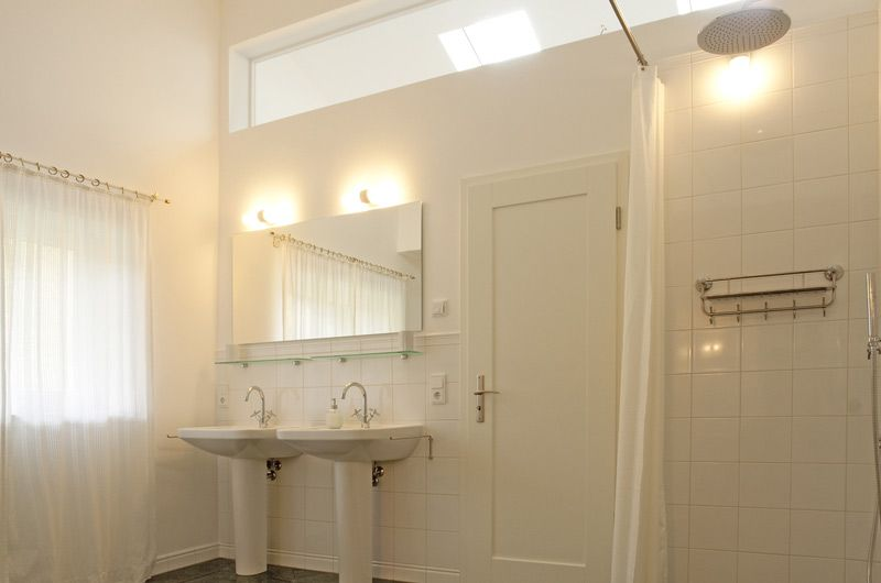 Lichtband Oberlicht Bad Haus Pinte