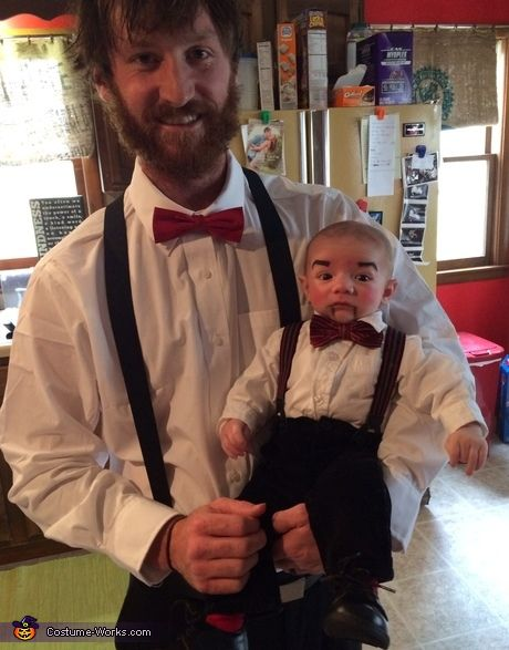30 Awesome Parent Baby Costume Ideas Baby Costumes Baby Halloween Costumes Halloween Costumes For Kids