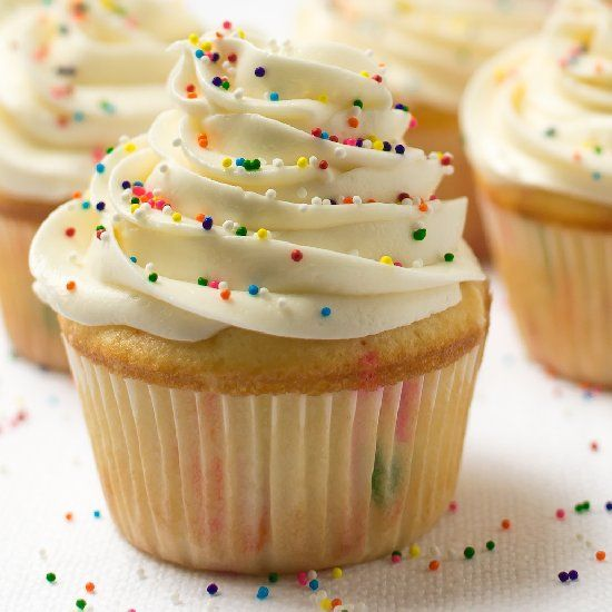 Easy Super Moist Homemade Funfetti Cupcakes In 25 Minutes