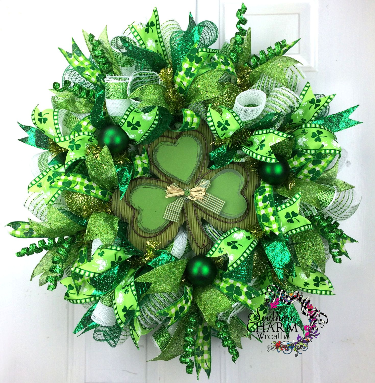 deco mesh st patricks day wreath st patrick 39 s day decor shamrock wreath green white lime. Black Bedroom Furniture Sets. Home Design Ideas