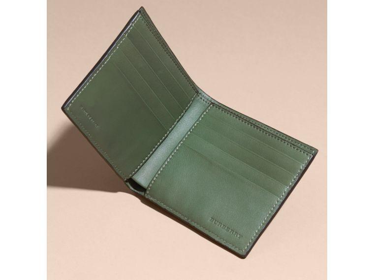 BURBERRY アリゲーター フォールディングウォレット. #burberry #bags # #
