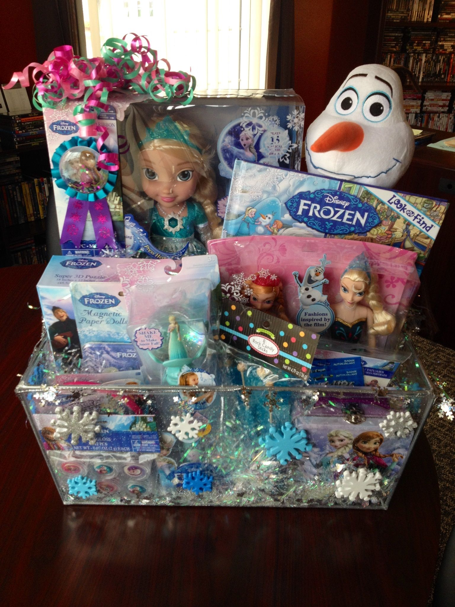 Frozen gift basket made this for work and it was so much fun from toilet roll mini baskets to easy and quick easter basket pudding cups heres some really awesome budget friendly ways to wrap up all those lovely negle Image collections