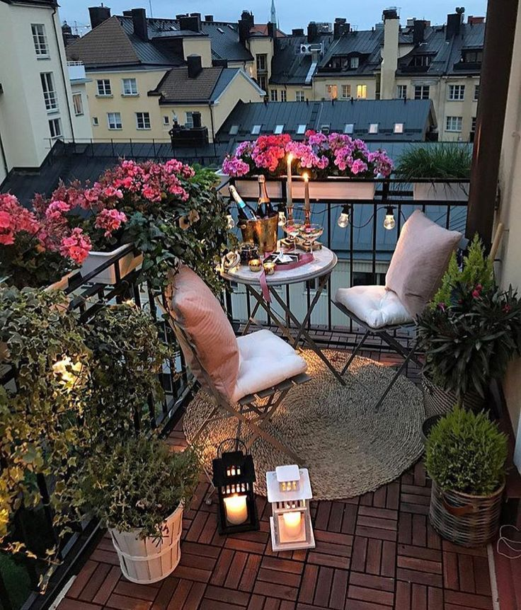 """11,9k Likes, 74 Kommentare - @ passion4interior auf Instagram: """"Schöner Balkon von parvin sharifi Großstadtleben mit Stil"""" - Julie Sakes #balkondeko"""