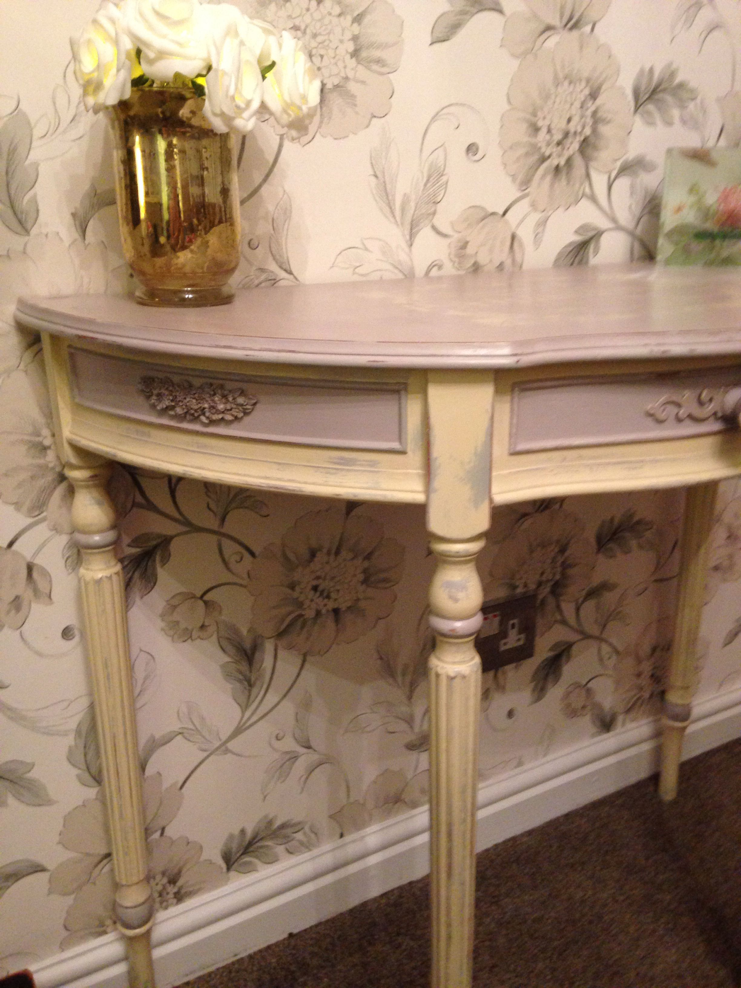 Vintage Cream Bedroom Furniture