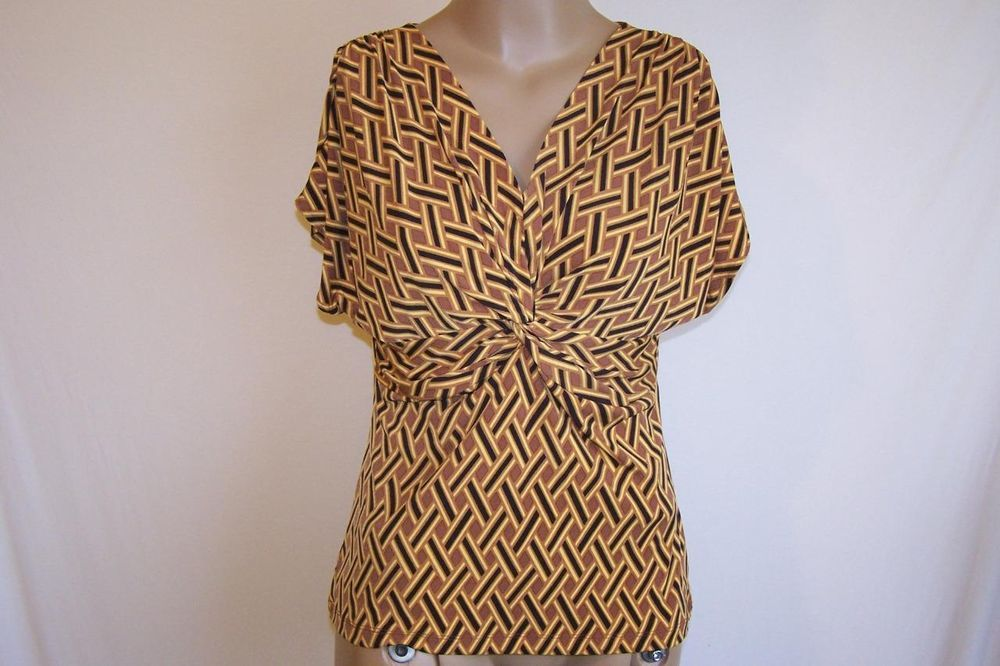 NEW YORK & CO Sz S Shirt Top Short  Sleeves Knotted V-Neck Stretch NWT #NewYorkCompany #KnitTop #Casual