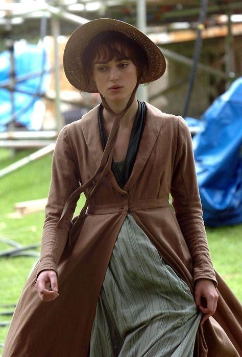 Keira-Knightley-BTS-Elizabeth-Bennet-pride-and-prejudice-14315395-474-700.jpg (474×700)