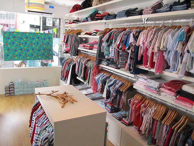 Muebles para local de ropa decks de madera para exteriores for Curso de decoracion de interiores zona norte
